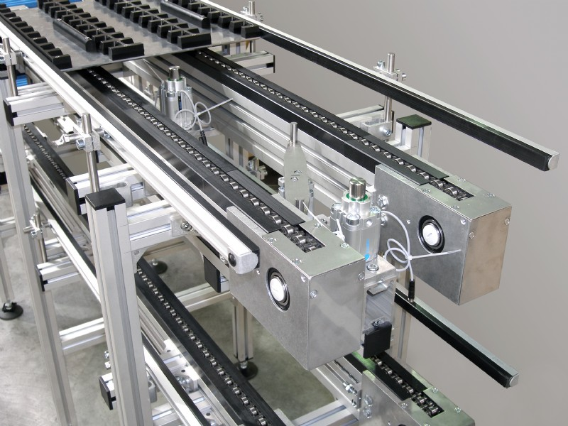 Over-under chain conveyor