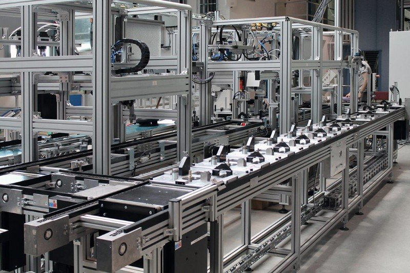 Assembly Line Systems : Pallet conveyor systems handling solutions mk