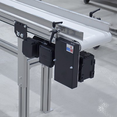 wide timing belt conveyor with drive
