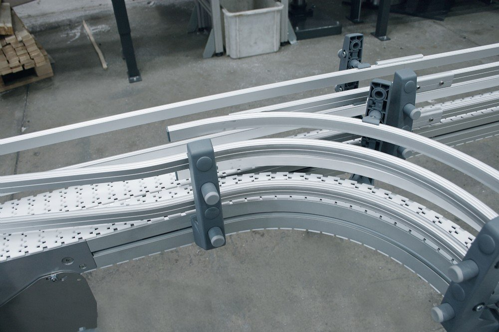 two flexible chain conveyor with side transfer