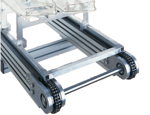 mk chain conveyor carrying small pallet with plastic part